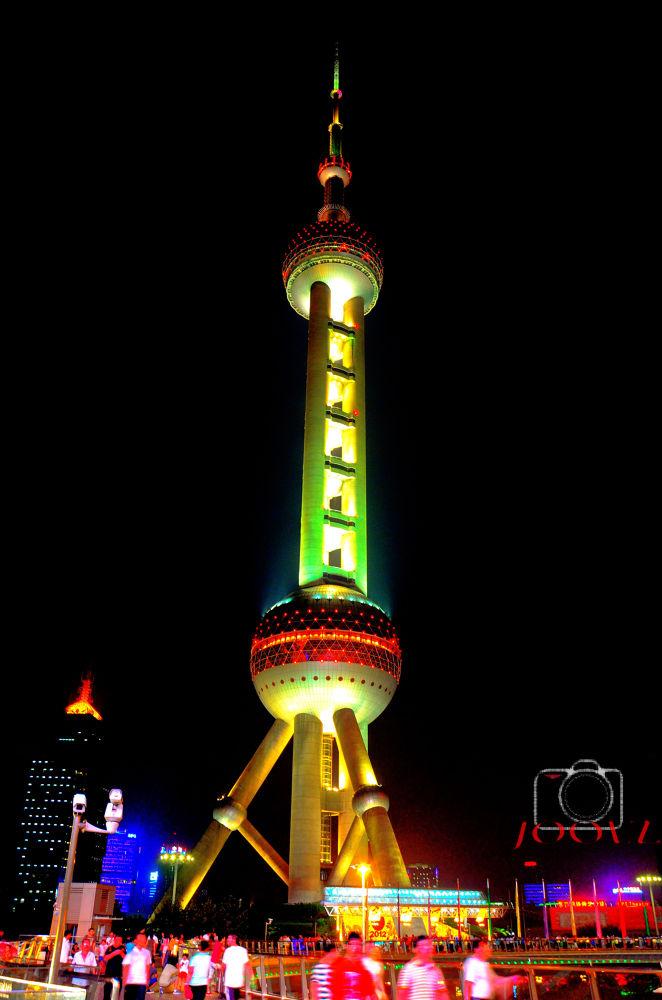 Oriental Pearl Tower, The Bund by JOOLZ