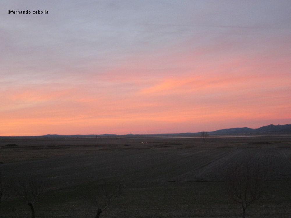 Sunset, Gallocanta lake. Aragón. by Polidaschamineras