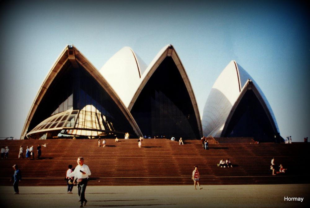 Opera house,Sydney,Australia by htheam