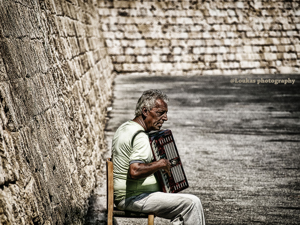 melodies from the past low by pcloukas