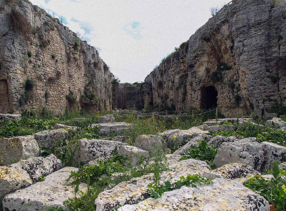 Castello Eurialo e Mura  Diogiane by Fotoabbate